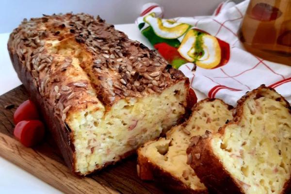 Bramborový chlebíček se šunkou a sýrem